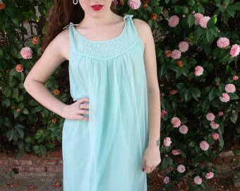 Vintage Baby Blue 60's Nighty. Mad Men Nighty. Vintage Nightgown. Pin Up Nighty