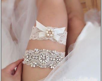 Off white wedding garter set Rhinestone bridal garter ivory lace Bridal garter set Wedding garter set Keepsake Garter Toss Garter