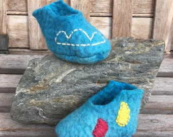 Summer clouds and colourful raindrops booties