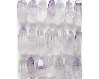 Violet brut cristaux bâtons de pierres précieuses Violet Petit lutin Points Las carine Veracruz améthyste minuscules bijoux en Amethyste, gemmes semi-précieuses