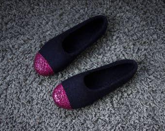 Felted ballet flats for women Dark navy wool slippers Felted wool indoor shoes Fuchsia glitter slippers for her