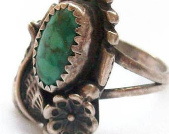Vintage Southwestern Native American Flower Blossom Feather Leaf Stamped Green/Blue Turquoise Sterling Ring size 6