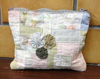 Quilted patchwork, Zippered Pouch, Make up bag, Student Bag.  Handmade
