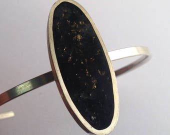 Silver bracelet with resin