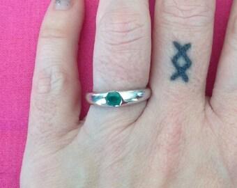 14k White Gold Emerald Ring -- Size 6.5