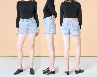 HIGH WAIST LEVI cut off Jean Denim shorts vintage women 90S relaxed fit 560 / Size 9 / 29 30 Inch Waist