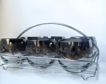 Set of (6) Dorothy Thorpe Roly Poly Glasses w. Carrier. Embossed Mid Century Barware