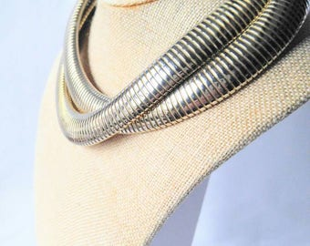 VINTAGE Double Twisted Snake Chain Necklace-Light Gold-Retro-Unusual-All Orders Only 99c Shipping!
