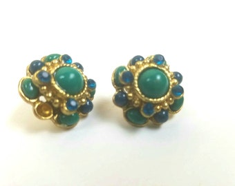 Vintage emerald green earrings - vintage costume jewelry - cluster earrings - gold and green earrings