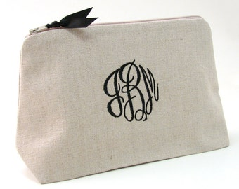 Monogrammed Cosmetic Bag // Personalized Makeup Bag // Personalized Gift for Women // Personalized Bridesmaid Gift // Gift for Her