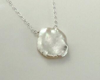 Grand collier de Keishi argent ou or 14K rempli Solitaire collier pétale Pearl - l'été en plein air juin Birthstone