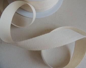 Twill tape flat Ecru width 20 mm