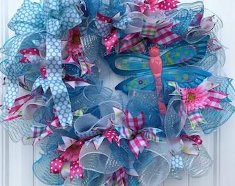 Spring deco mesh wreath, Summer deco mesh wreath, dragonfly wreath, door decor, wall decor, ruffle wreath
