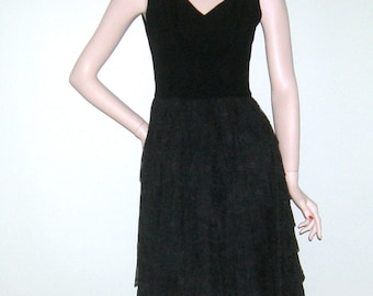 Vintage 1960s Lace Mod Mini Dress/ Chantilly lace/ Black Rayon/ Barbara Dance Frocks/ Mad Men/ Jackie Kennedy/ Space Age/ Tier NOS/ NWT/ USA