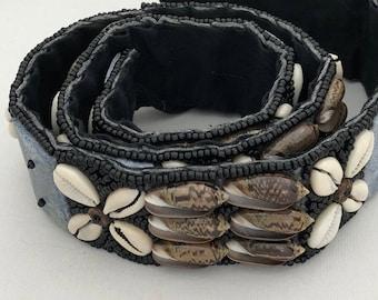 Beaded belt/Belt with seashells/Vintage/Tie On belt/Hippie /Boho/statement piece/Unique gift/chic/Native American/Festive/fashion belt