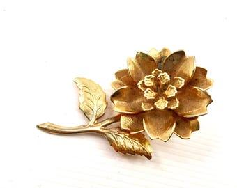 Vintage Gold Brooch Gorgeous Heavy  Gold Flower brooch designer mid century