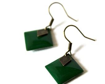Earring enameled green sequins