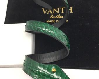 Bracciale in serpente verde, green snake skin armlet/bracelet.