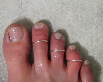"""Toe ring... """"Simple Lines"""" set of 3 silver wire stackable toe rings."""