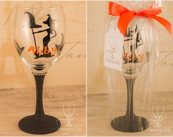 Witch with name- Personalised glitter wine glass