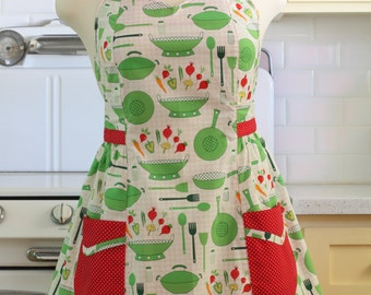 Retro Apron Plus Size Sweetheart Neckline Green Pots and Pans BETTY