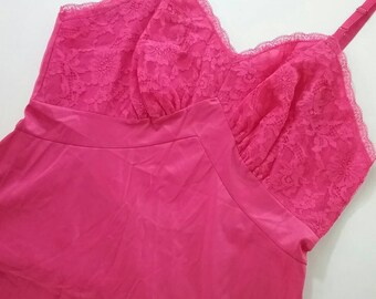 Vintage 60s Pink vanity Fair pin up slip - lingerie - burlesque