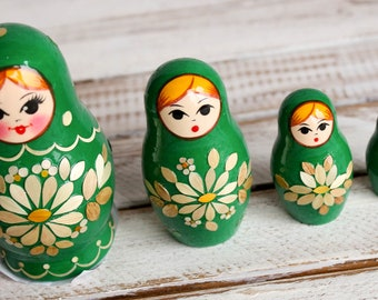 Russian classic matryoshka doll wooden hand painted toy 004181