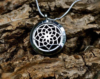 Stainless Steel Aromatherapy Diffuser Locket for Essential Oils