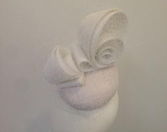 Fascinators for women white headpiece bridal wedding ascot melbourne cup Kentucky Derby modern headpiece