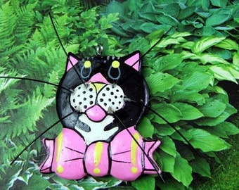 Large Vintage Kitschy Kitty Wooden Charm - Cat Charm - Cat Pendant - Kitty Pendant     (DR-019)