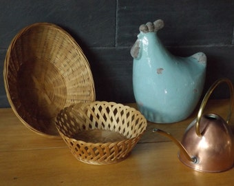 Wicker basket braided vintage / round basket is hand made in France / antique oval basket