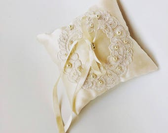 Wedding Ring Pillow, Ivory color pillow, Ring Bearer Pillow, Wedding Pillow, Ring Bearer, Romantic Ring Pillow, Rustic Wedding