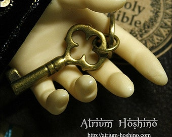 1/3 BJD size Antique key : Key to Palace