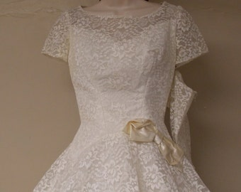 Vintage 50s white wedding dress Alfred Angelo Edythe Vincent lace shell cap sleeve