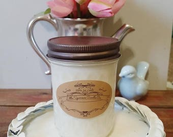 Sweet Pea Soy Candle-8oz-12oz- Floral soy candle, Spring Soy candle, Flower soy candle