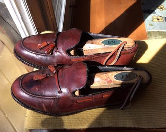 Classic JOHNSTON & MURPHY Tasseled Loafers- Size 7D - Never Go Out of Style- small
