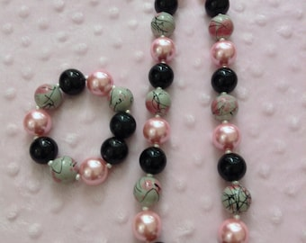 Pink swirl chunky necklace with bracelet