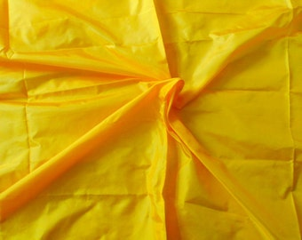 Fine Indian Silk Taffeta in Yellow, Fat quarter -TF15