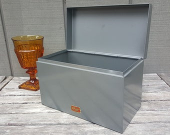 Vintage Industrial Decor Weis Card Cabinet // Mid Century Office Metal File Box // Gray metal // 8.5 x 6 x 4.5 inches // made in Michigan