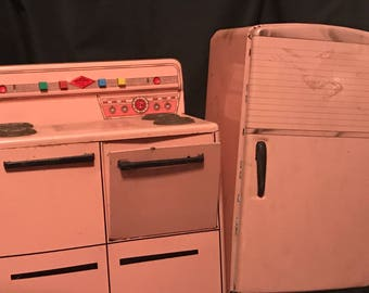 Vintage Kitchen Stove and Refrigerator Wolverine Pink Metal 50's Vintage Toys Set of 2 CLEARANCE PRICE was 50.00 now 30.00