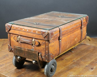 Leather and wagon train R175 trunk