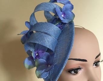Blue fascinator.Blue hat.Blue wedding hat.Blue wedding fascinator.Fascinator.Fascinator blue.Fascinators blue.Ascot hat.Wedding fascinators.