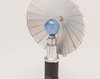 Leitz Camera Flash - 1950's Germany - Leica Cameras - Unique Folding Design uses Flash Bulbs