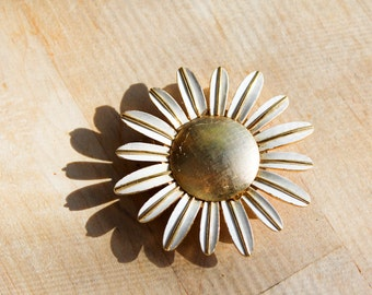metal brooch : pin flower sixties avon diy wedding