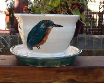 Self draining kingfisher planter