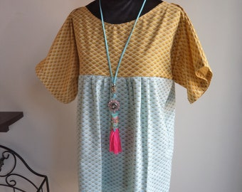 Loose-fitting cotton tunic