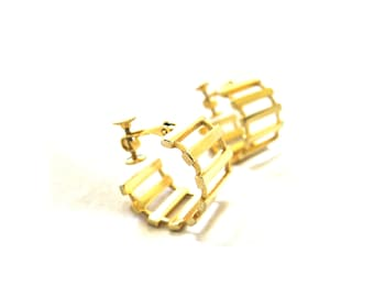 Earrings Gold Hoop Water Wheel Napier Screwback