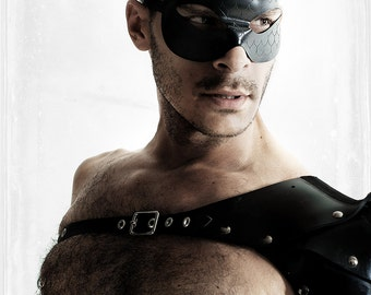 CLEARANCE Domino men's latex SCALES masquerade mask (black)((Express Shipping to USA or Canada))