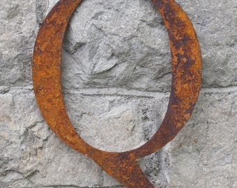 Flat Metal Rusty Letter Q / Metal / Letter / Garden / Industrial / Vintage / Rustic / Floral / Gift / Wedding / Home / 25cm