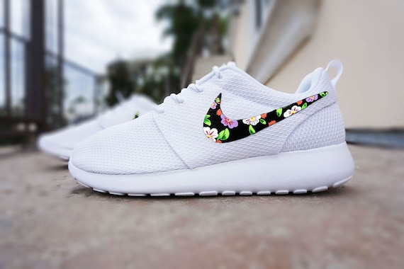 Nike Roshe Courir Chaussures Floral Sur Mesure